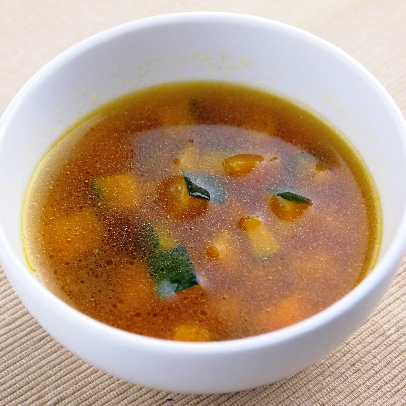 コンソメ スープ レシピ